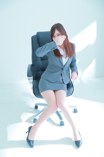 福原 秘書と社長(格安ソープ)「脚線美の誘惑」ななせ秘書