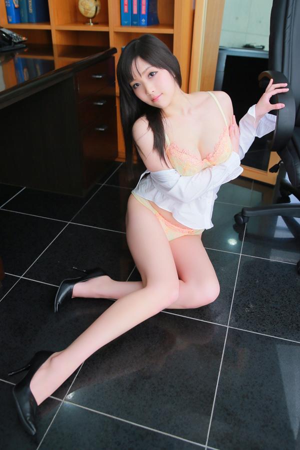 福原社長秘書(格安ソープ) 美脚・美尻のパーフェクト秘書